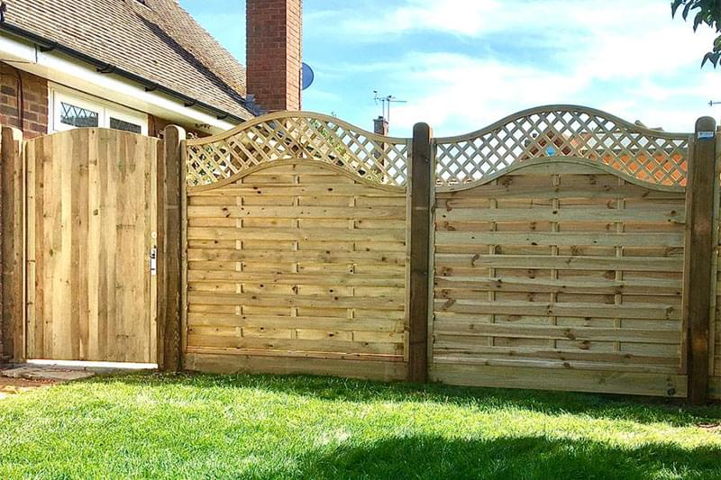 Meaker fencing supplies lancing, fencing store sussex, fencing services south coast, worthing diy fencing materials, fencing delivery and collection brighton