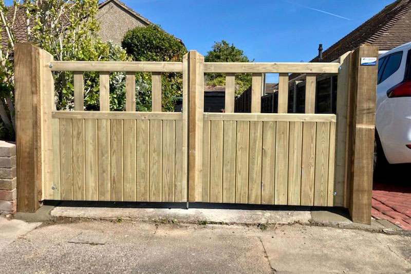 South coast gate supplier, diy gates sussex, timber entrance gates worthing, ready made gates brighton, meaker lancing timber gates