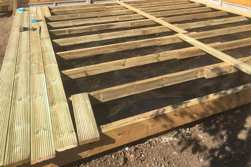 High quality uk timber products sussex, south coast diy timber products, decking timber accessories brighton, worthing garden landscaping sleepers, diy fence posts, rails, boards, pales in lancing, chestnut cleft rails south coast