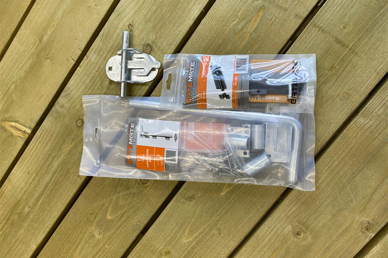 Fencing accessories south coast, diy hinges, latches, bolts sussex, meaker fencing accessories brighton, worthing garden tools store, garden tools lancing